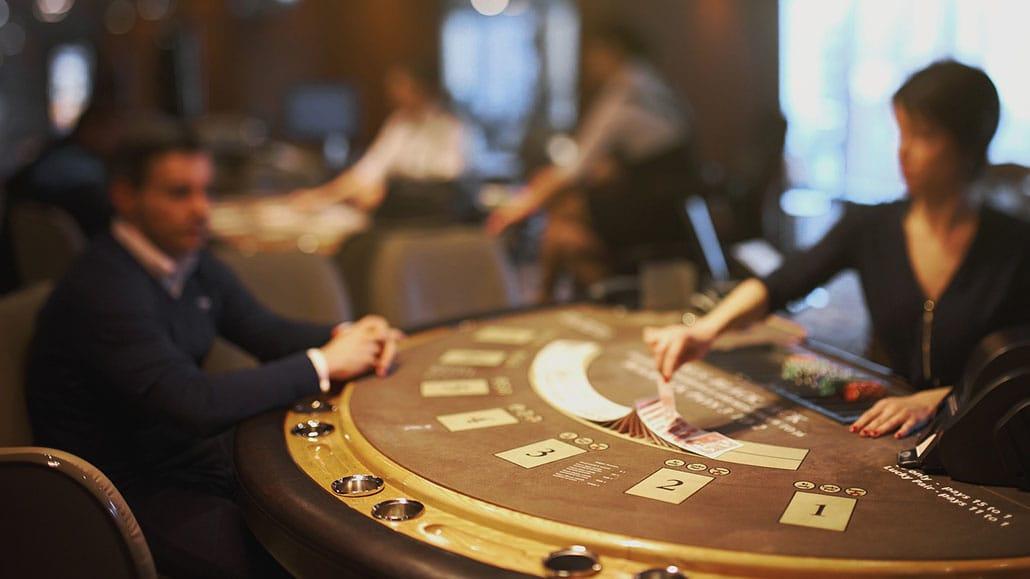 texas holdem vs poker