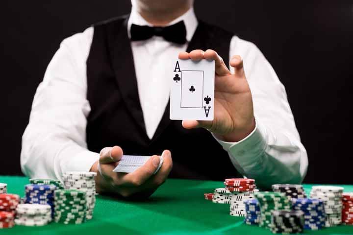 Caribbean-Stud-Poker-Strategy