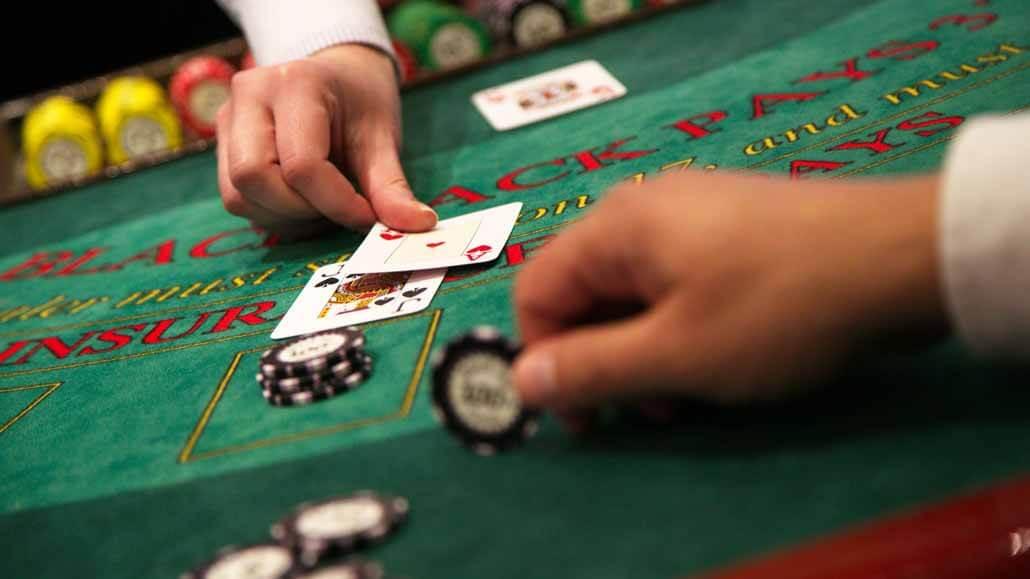 Poker-vs-Blackjack