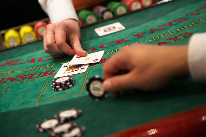 When to bet in blackjack