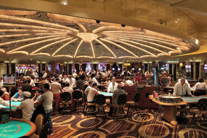 House hold vs casino edge